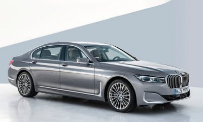 BMW-7-Series-2020-right-front