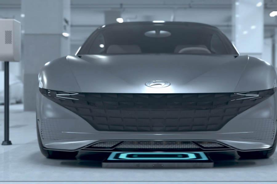 Hyundai-draadloos-opladen-en-autonoom-parkeren-autotech-parking-front