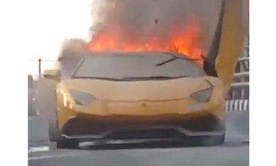 Lamborghini-Aventador-fire