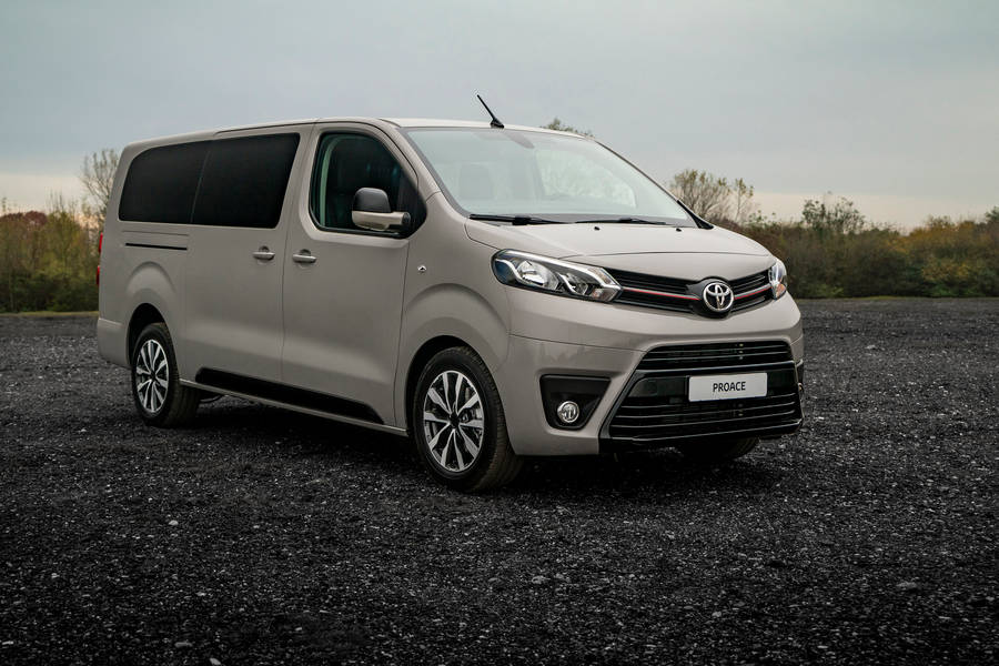 Toyota-PROACE-Grey-Platinum-2019-left-front-view