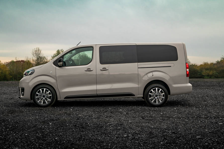Toyota-PROACE-Grey-Platinum-2019-side-view