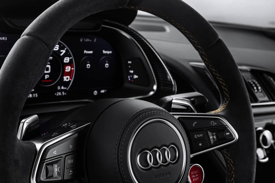 audi-r8-v10-decennium-stuur-dashboard.