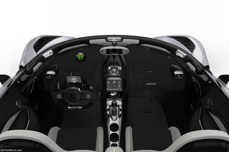 Koenigsegg-Jesko-2020-interieur.