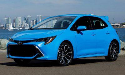Toyota-Corolla_Hatchback-2019-rechtsvoor-blauw
