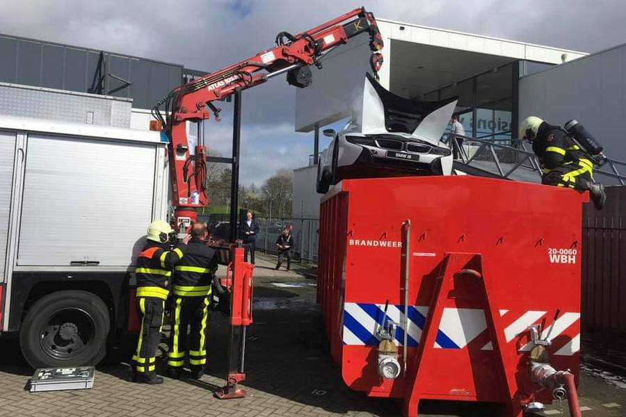 brandweer-bmw-i8-garage-midden-brabant