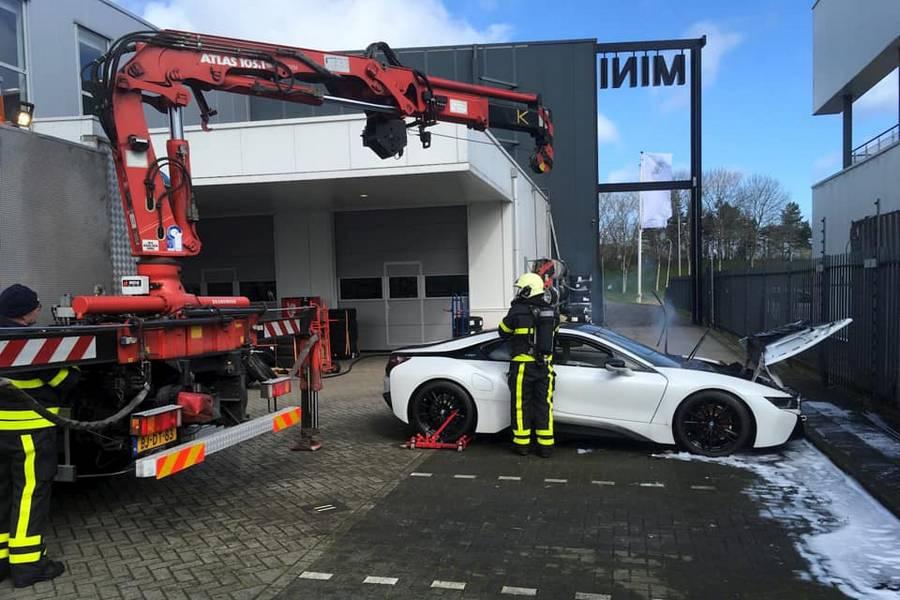 brandweer-midden-brabant-bmw-i8-brand
