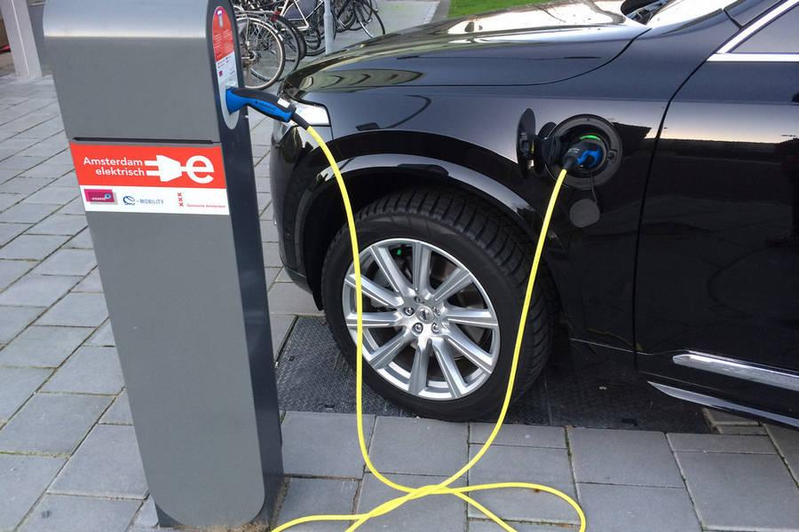 elektrisch-auto-oplaadpaal