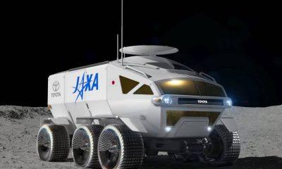 toyota-jaxa-maanauto-linksvoor.
