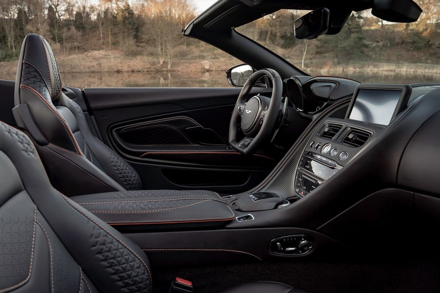 Aston_Martin-DBS_Superleggera_Volante-2020-interieur