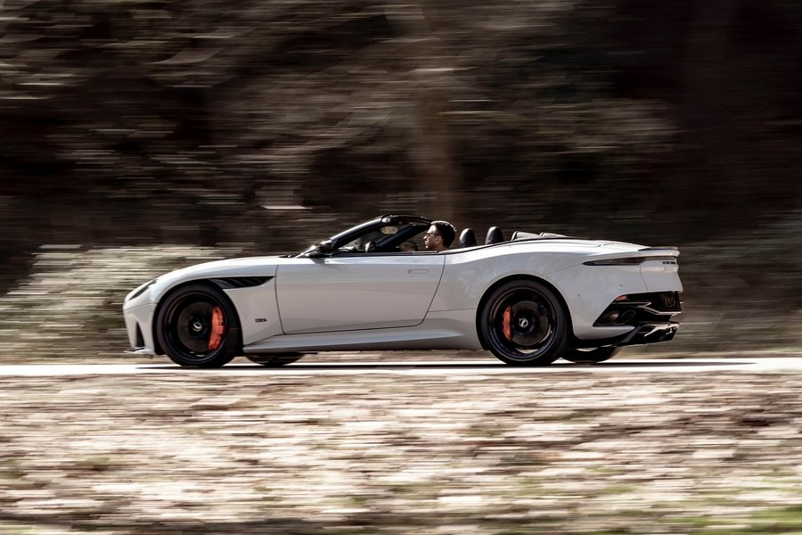 Aston_Martin-DBS_Superleggera_Volante-2020-zijkant