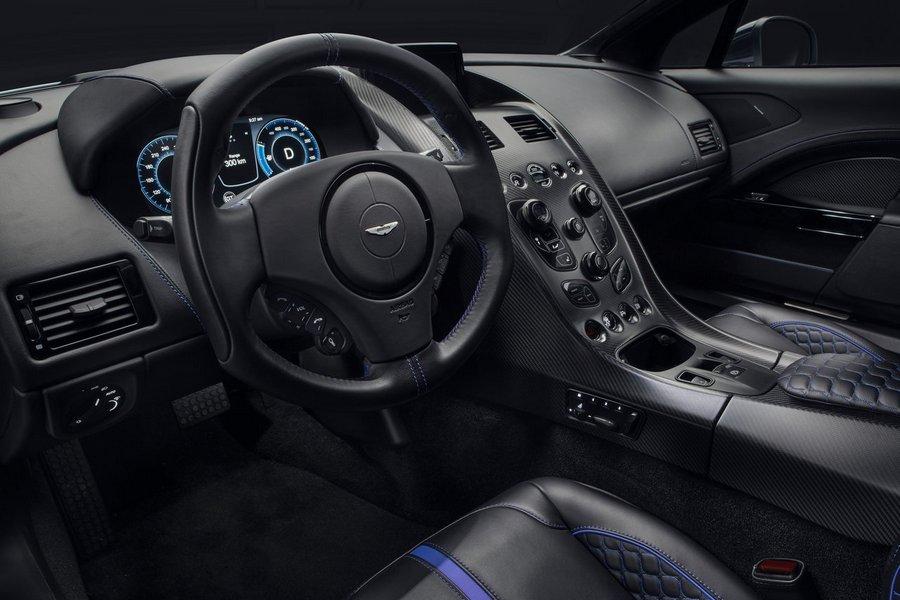 Aston_Martin-Rapide_E-2020-stuur