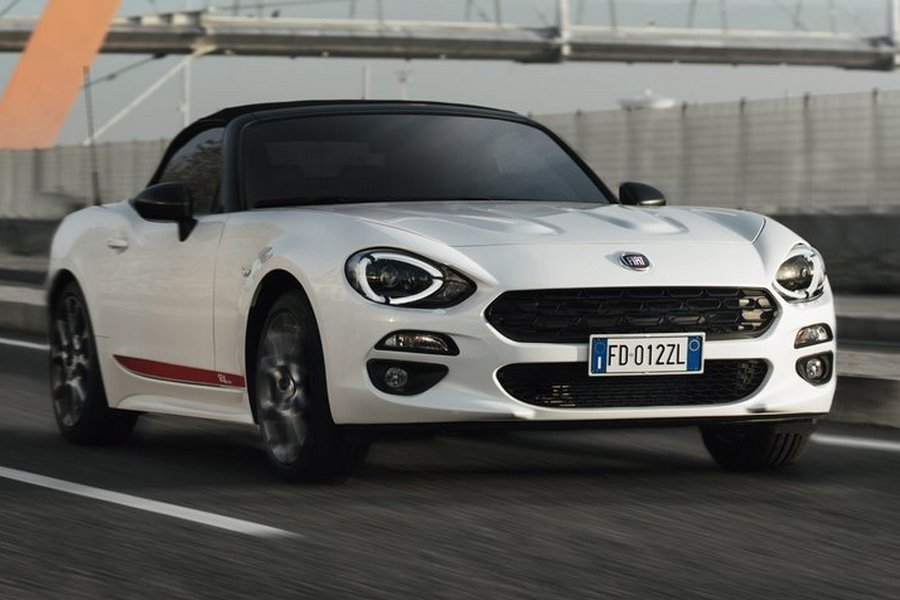 Fiat-124_Spider_S-Design-2018-linksvoor