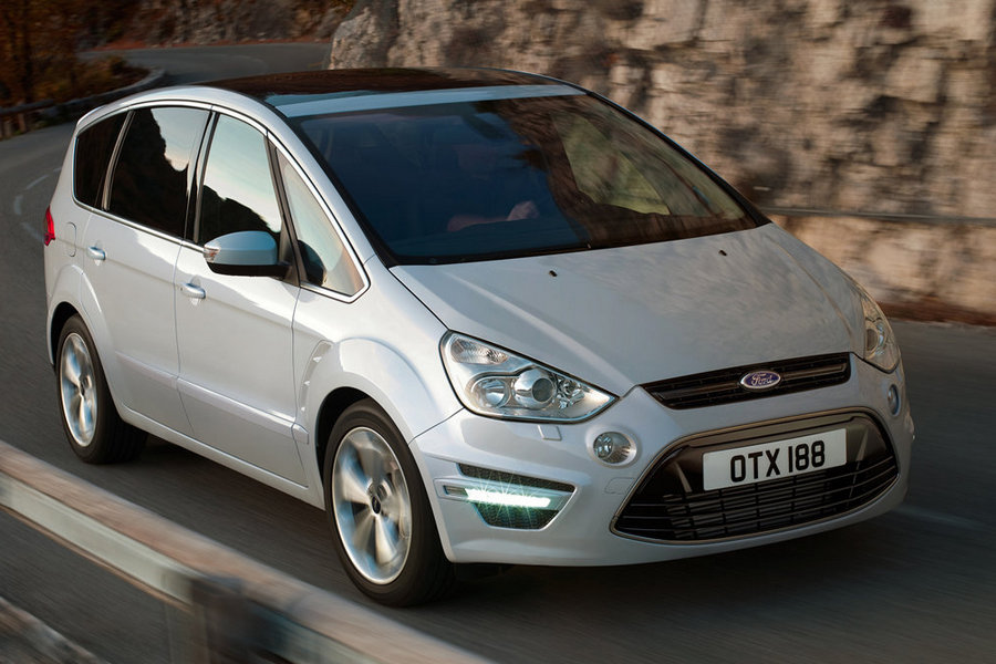 Ford-S-MAX-2011-linksvoor