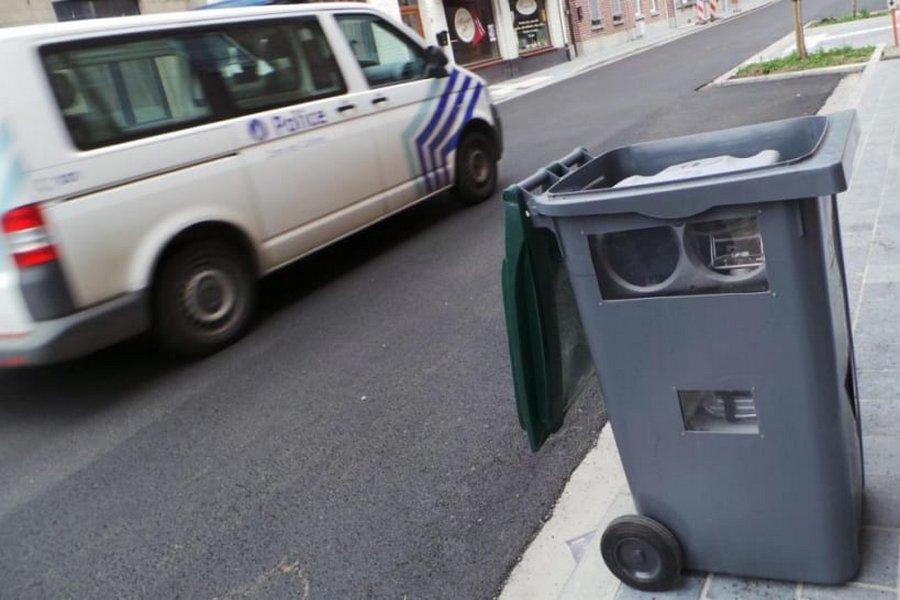 flitser-vuilnisbak-politie-belgie