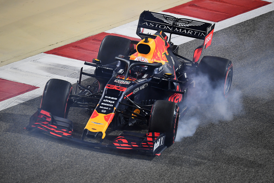 max-verstappen-red-bull-lockup