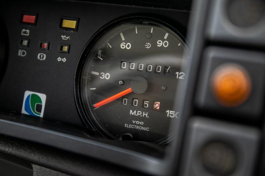 MG-Metro- 6R4-rally-kilometer-teller