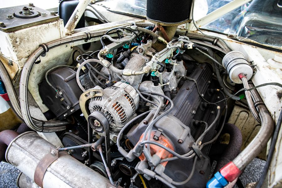 MG-Metro- 6R4-rally-left-engine