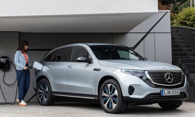 Mercedes-Benz-EQC-2020-lader