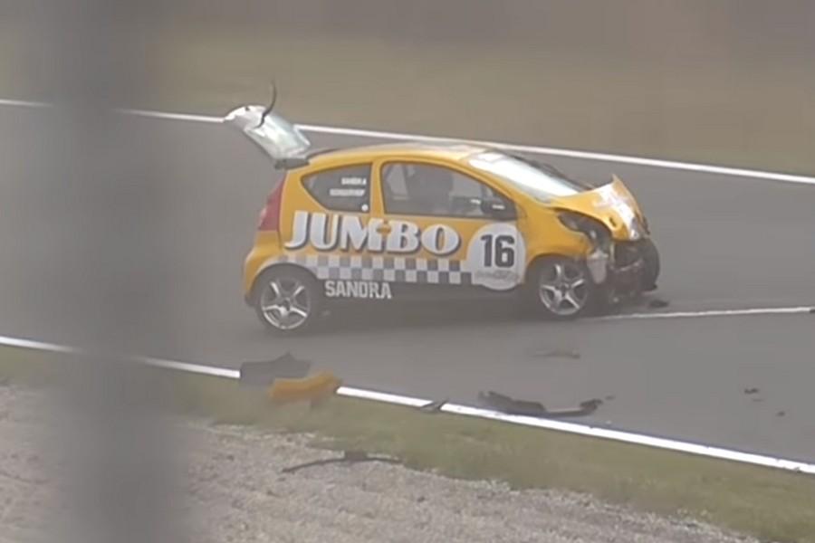 ladiesGT-crash-zandvoort