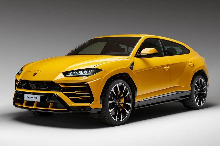 Lamborghini-Urus-2019-linksvoor