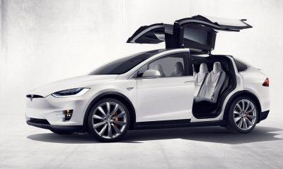 Tesla-Model_X-2017-zijkant