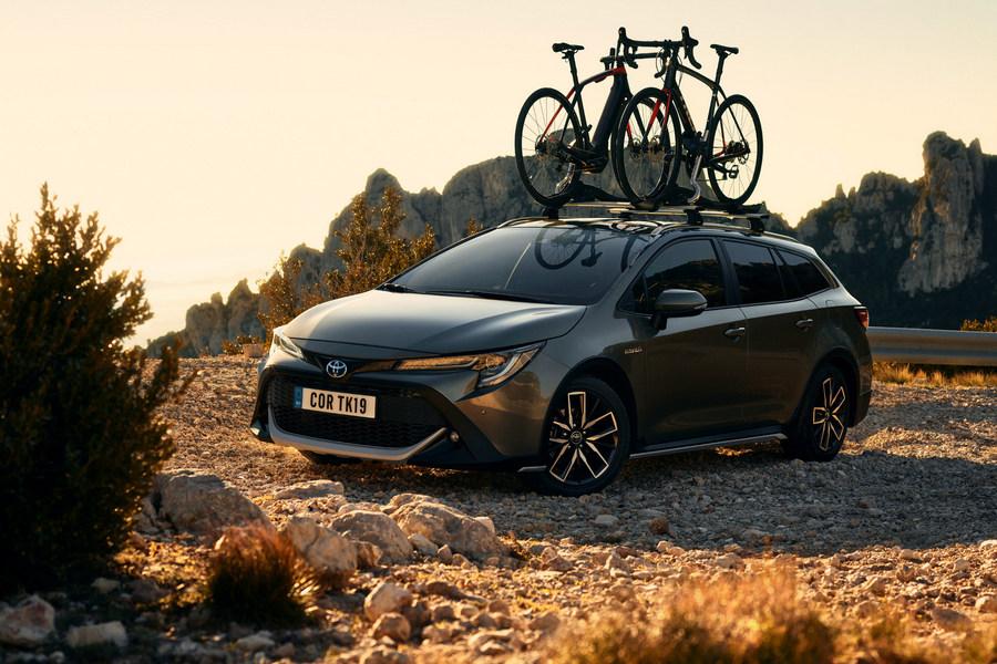 Toyota-Corolla-TREK-2019-linksvoor