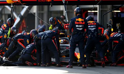max-verstappen-red-bull-racing-pitstop