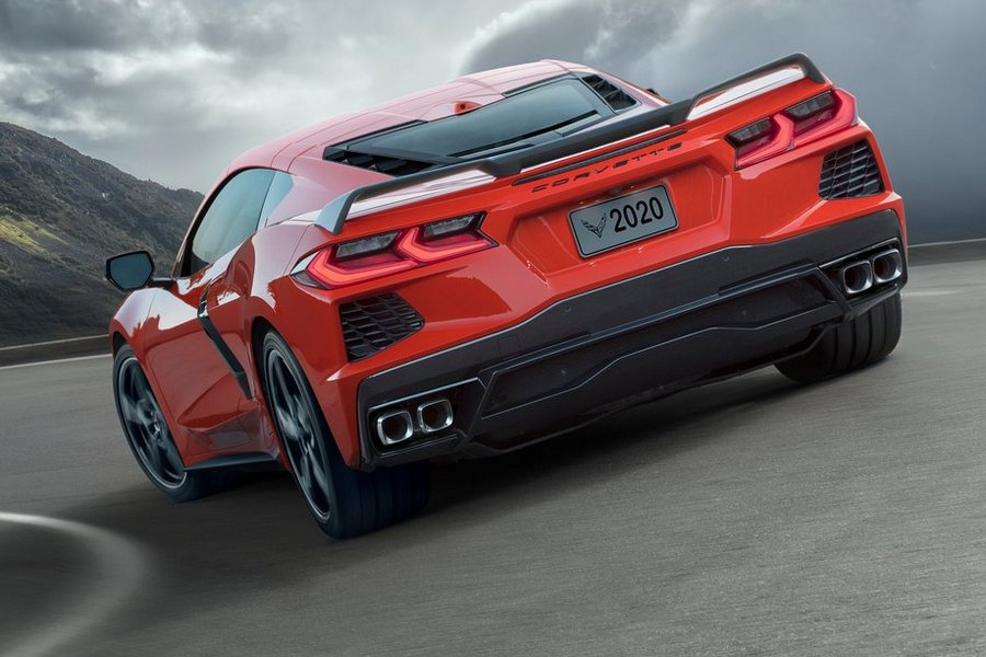 Chevrolet-Corvette_C8_Stingray-2020-linksachter