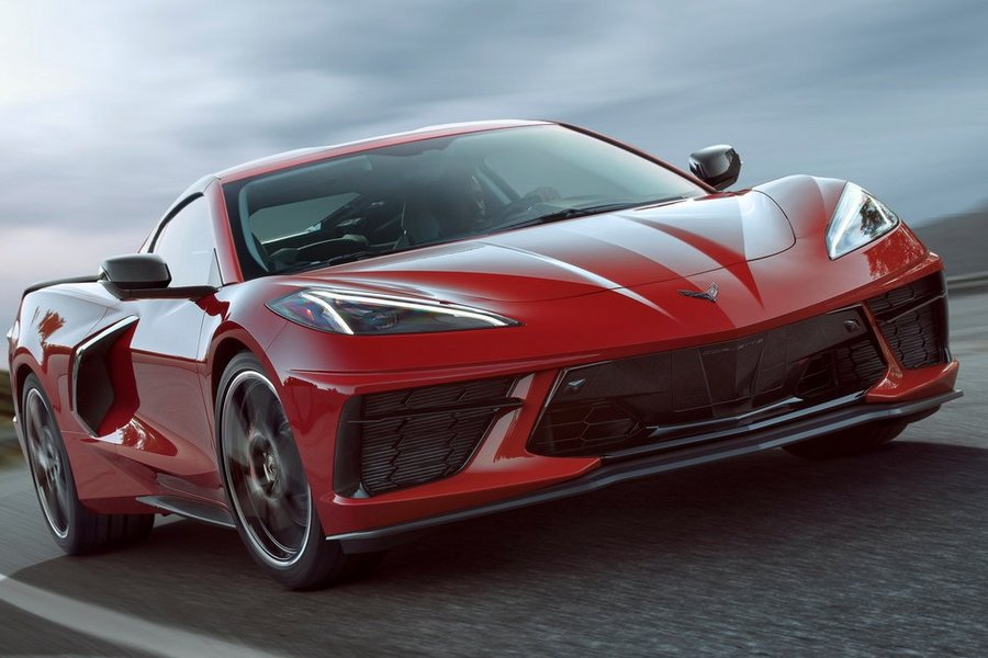 Chevrolet-Corvette_C8_Stingray-2020-linksvoor