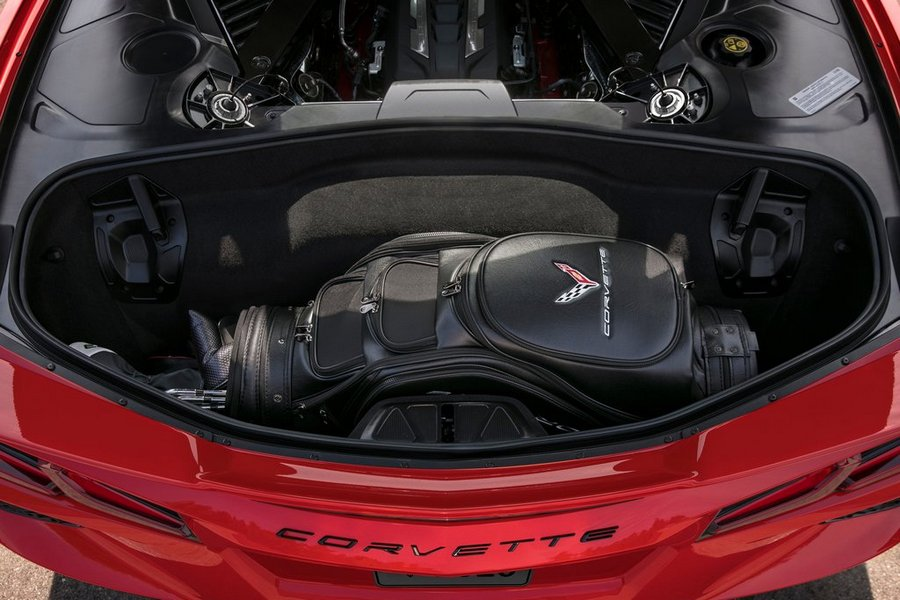 Chevrolet-Corvette_C8_Stingray-2020-motor