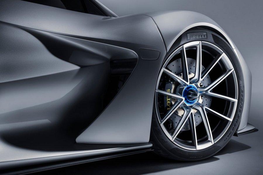 Lotus-Evija-2020-pirelli