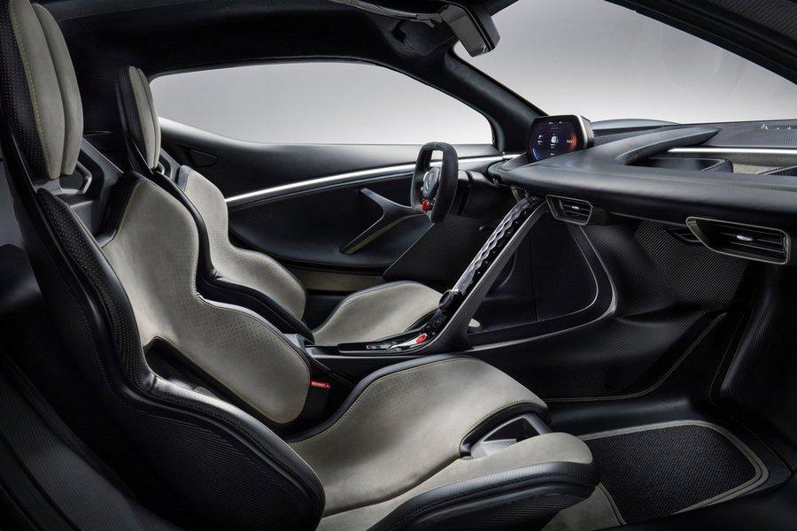 Lotus-Evija-2020-stoelen-interieur