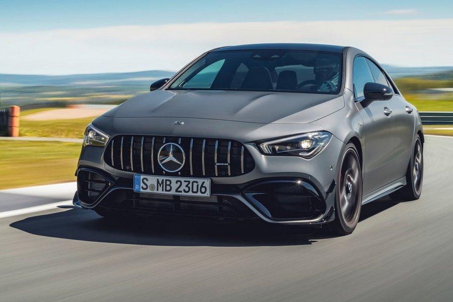 Mercedes-Benz-CLA45_S_AMG_4Matic-2020-rechtsvoor