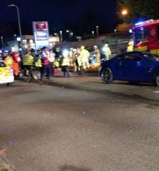 straatrace-engeland-autoclub-crash