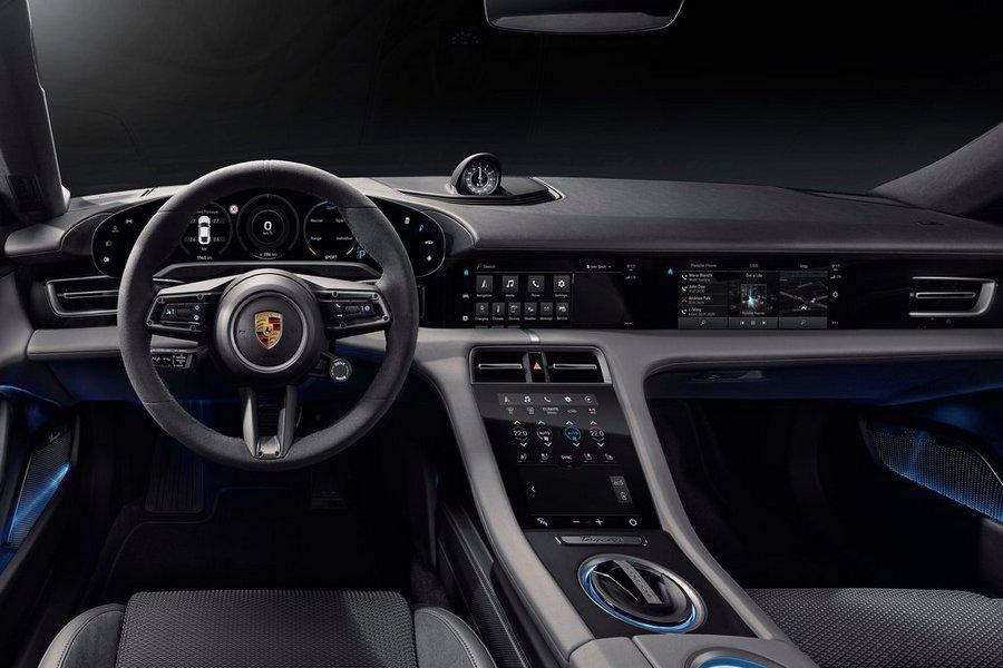 Porsche-Taycan-2020-interieur