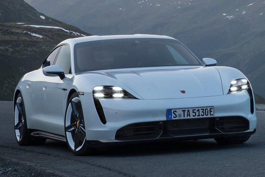 Porsche-Taycan-2020-linksvoor