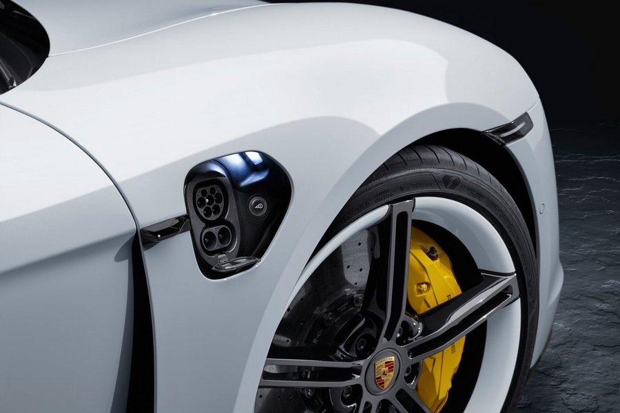 Porsche-Taycan-2020-wiel
