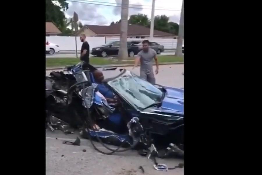 miami-crash-corvette-stingray