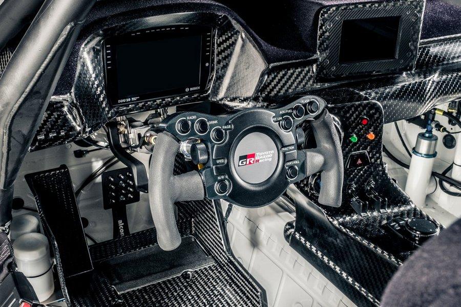 Toyota-Supra_GT4-2020-interieur