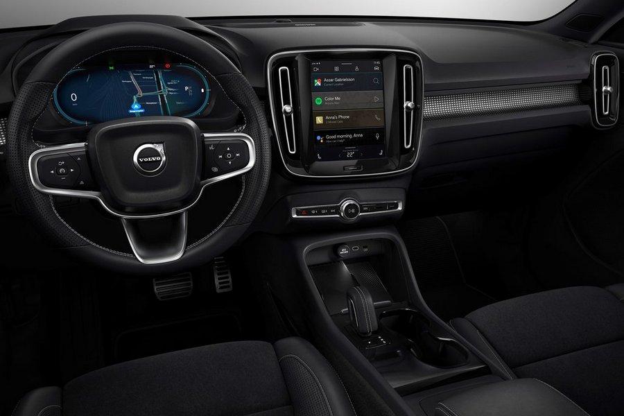 Volvo-XC40_Recharge-2020-interieur