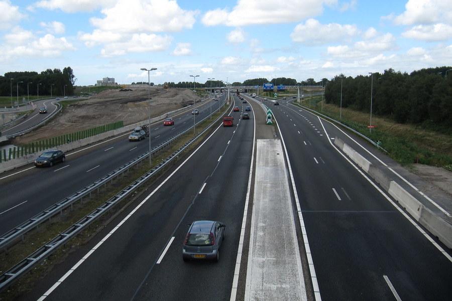 knooppunt-badhoevedorp-snelweg-weg