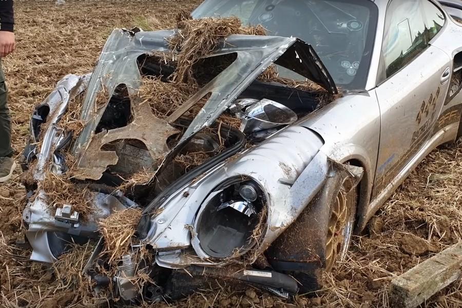 porsche-911-turbo-crash