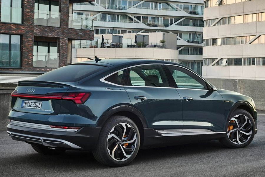 Audi-e-tron_Sportback-2021-rechtsachter