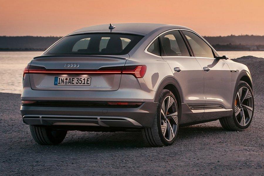 Audi-e-tron_Sportback-2021-rechtsachteren